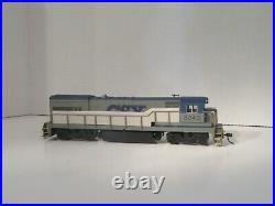 Atlas 8260 Kato U23B CSX diesel locomotive for a train set. Very nice item