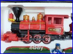 Disneyland Resort Mickey & Friends Disney Railroad Train Set Very Good condition
