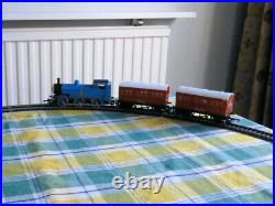 HORNBY THOMAS & FRIENDS THOMAS ELECTRIC TRAIN SET R9043 Very Good Condition