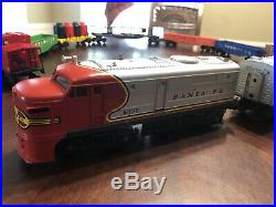 Lionel Santa Fe O Scale 8020 8021 freight Train set. In Very Good Condition