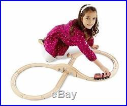 Melissa Doug Classic Wooden Figure Eight Train Set, 22 pcs, Preowned, Very Good