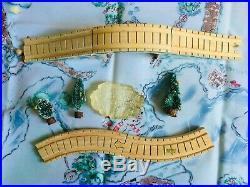 Very Rare Cherished Teddies 935557 Santa Express 10 Piece Train Accessory Set y