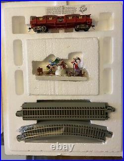 Very Rare! Disney Mickey & Friends Christmas Through The Years Train Set